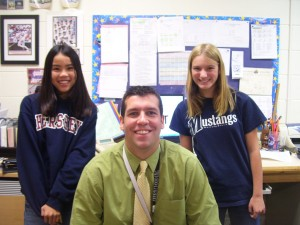 Mr. Dieckmann in 2009 with reporters Hannah Watt and Aubrey Weeks.